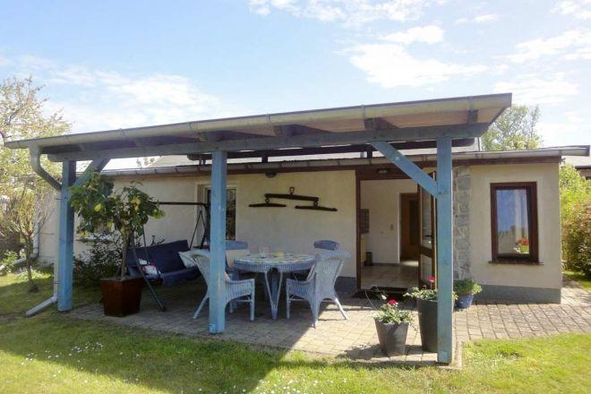 Gönnen Sie sich eine Auszeit in unserem wunderschönen und modernen Ferienhaus in ruhiger Lage am Ort