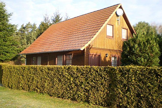 Unser familienfreundliches Ferienhaus liegt am Ortsrand von Nossentiner Hütte a