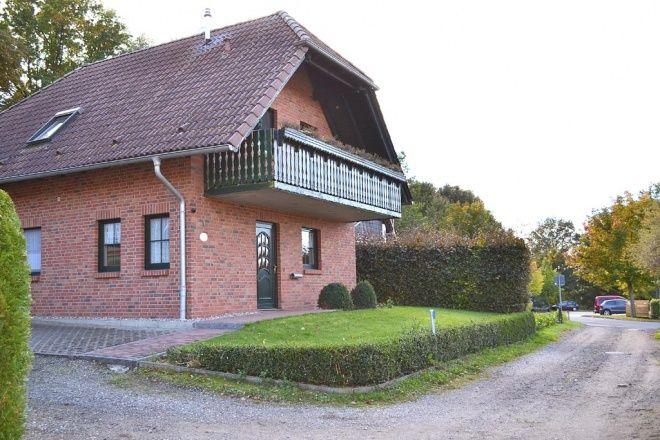 Das freistehende ruhige Ferienhaus ist nur 300 m vom Fleesensee entfernt, und bietet für bis zu 6 Pe
