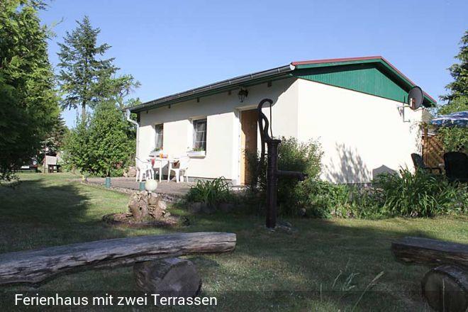 Familienfreundliches Ferienhaus in Fleeth am Vilzsee mit Ruderboot. Auf 2200qm großem Grundstück, mi