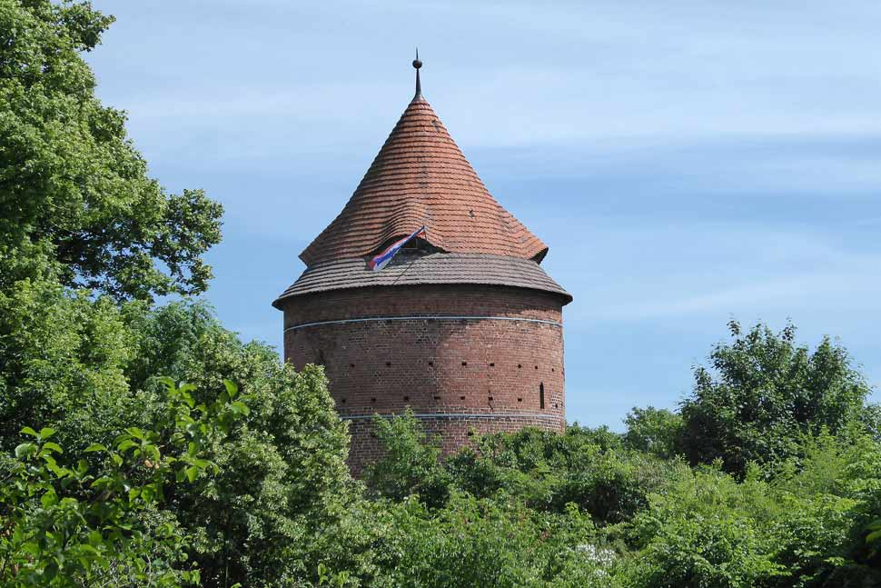 am-see-14-burg in plau